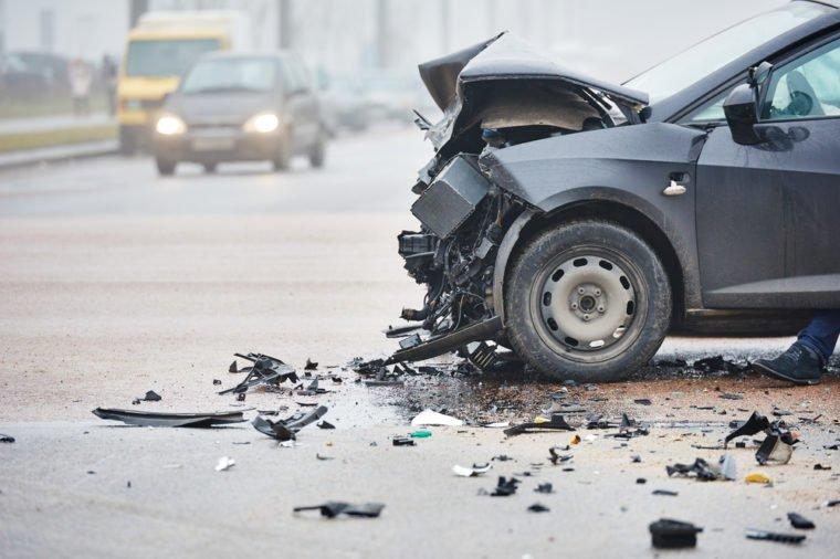 15 вещей, которые вы должны сделать в течение 10 минут после автомобильной аварии