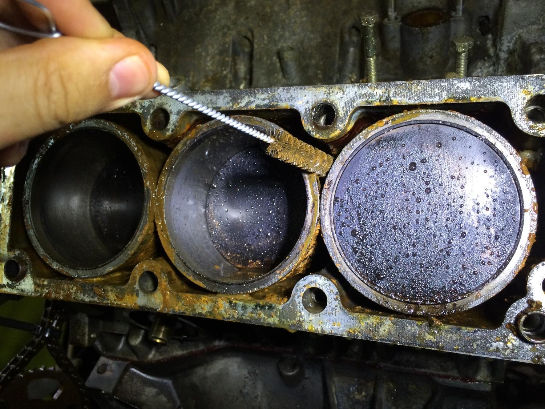 Вот почему моторное масло может попадать в воздушный фильтр