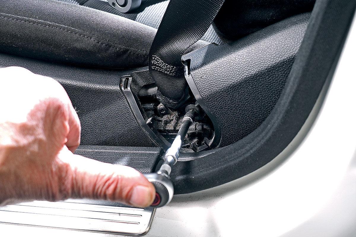 Как установить, подогрев сидений в автомобиль собственноручно?