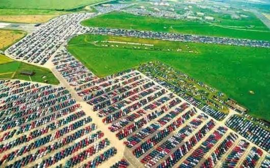 Как многие автопроизводители отправляют под пресс сотни тысяч новых автомобилей.