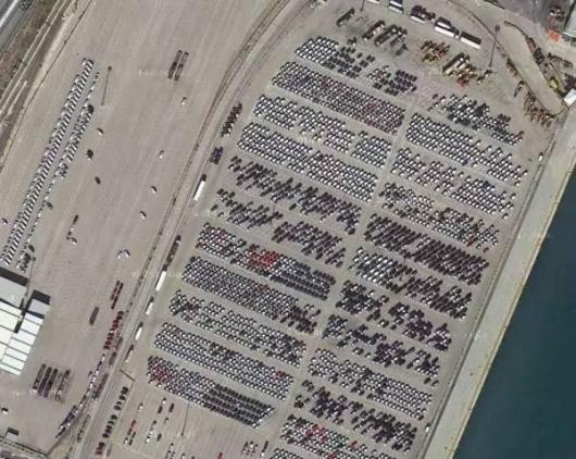 Вы не поверите: в мире есть тысячи автомобильных «кладбищ», где стоят никому не нужные новые автомобили
