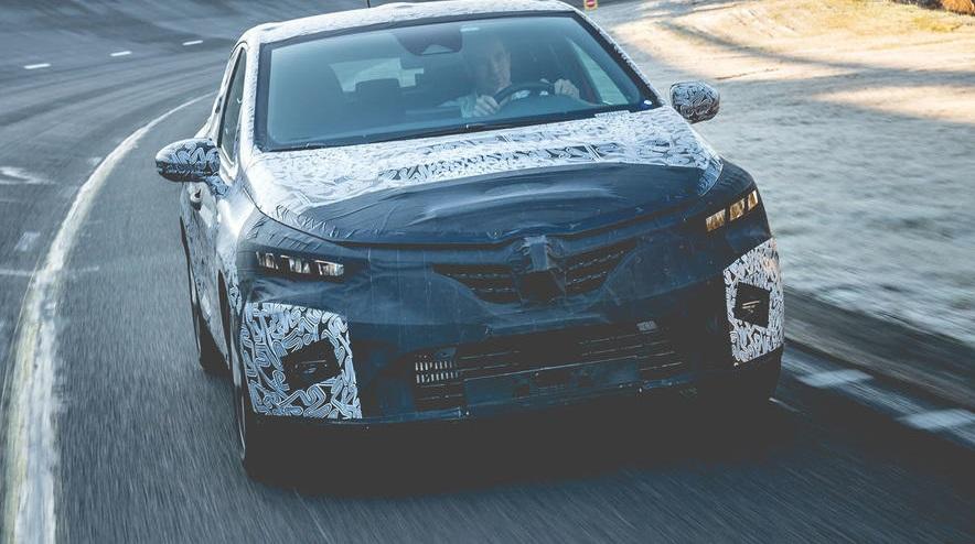 2019 Renault Clio. Предсерийный образец прошел тестовые испытания