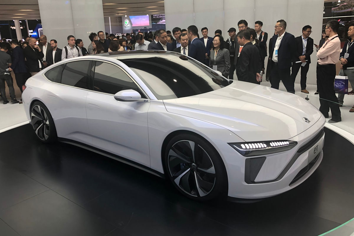 Porsche, Audi, Ford, Mercedes – китайские копии в Шанхае