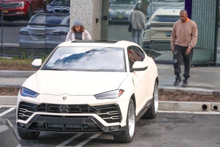 Топ-20 знаменитостей, которые купили новые автомобили в этом году