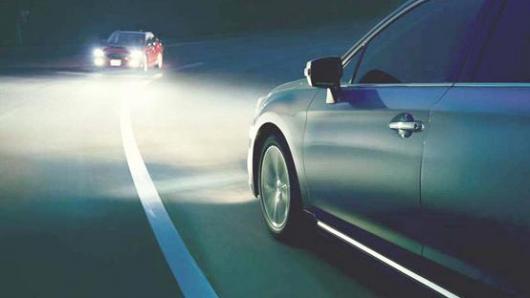 Какой самый эффективный способ избежать 2-секундного ослепления дальним светом?