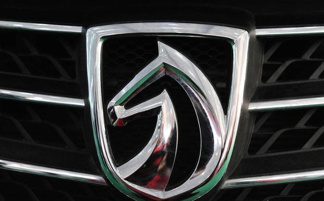 Автомобили, которые имеют животных на логотипах